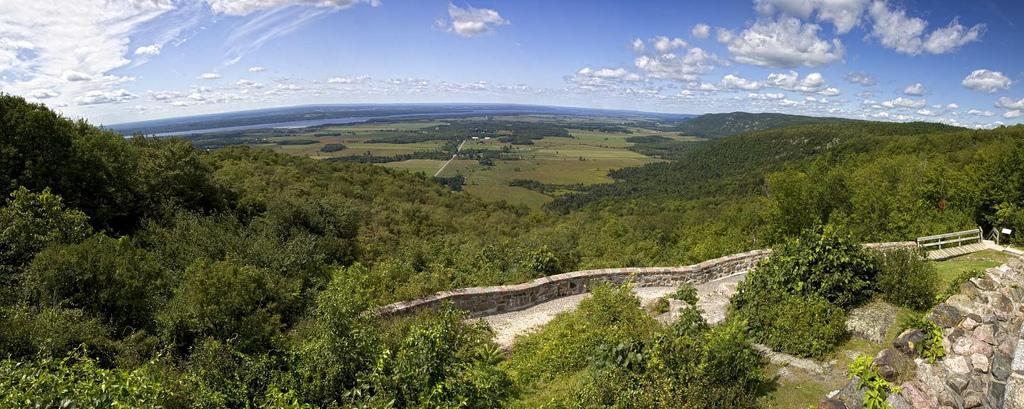 Gatineau park Champlain Lookout